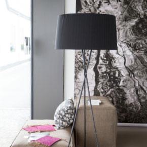 mr. pixel KG | ml Projekte Stehlampe