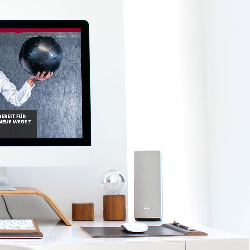 Unternehmensberatung Joerg Schestak |iMac rechts