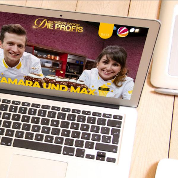 mr. pixel KG | Wittl Tamara und Max Laptop rechts