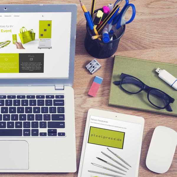 mr. pixel KG | Pixelpress | Laptop rechts