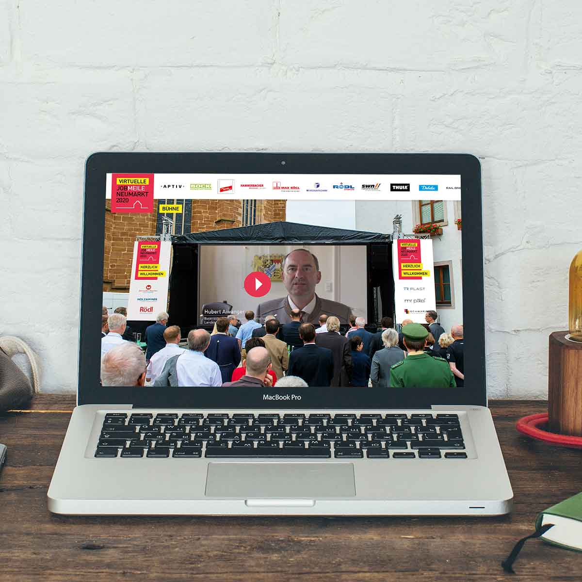 Virtuelle-Jobmeile-Bühne